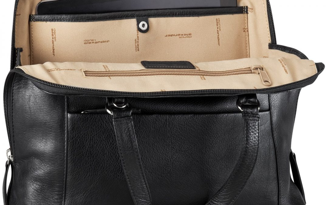 What's in Your Bag? Top 10 things to Keep in Your Purse