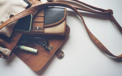 Get Organized! How to Organize Your Purse So You Stop Digging!